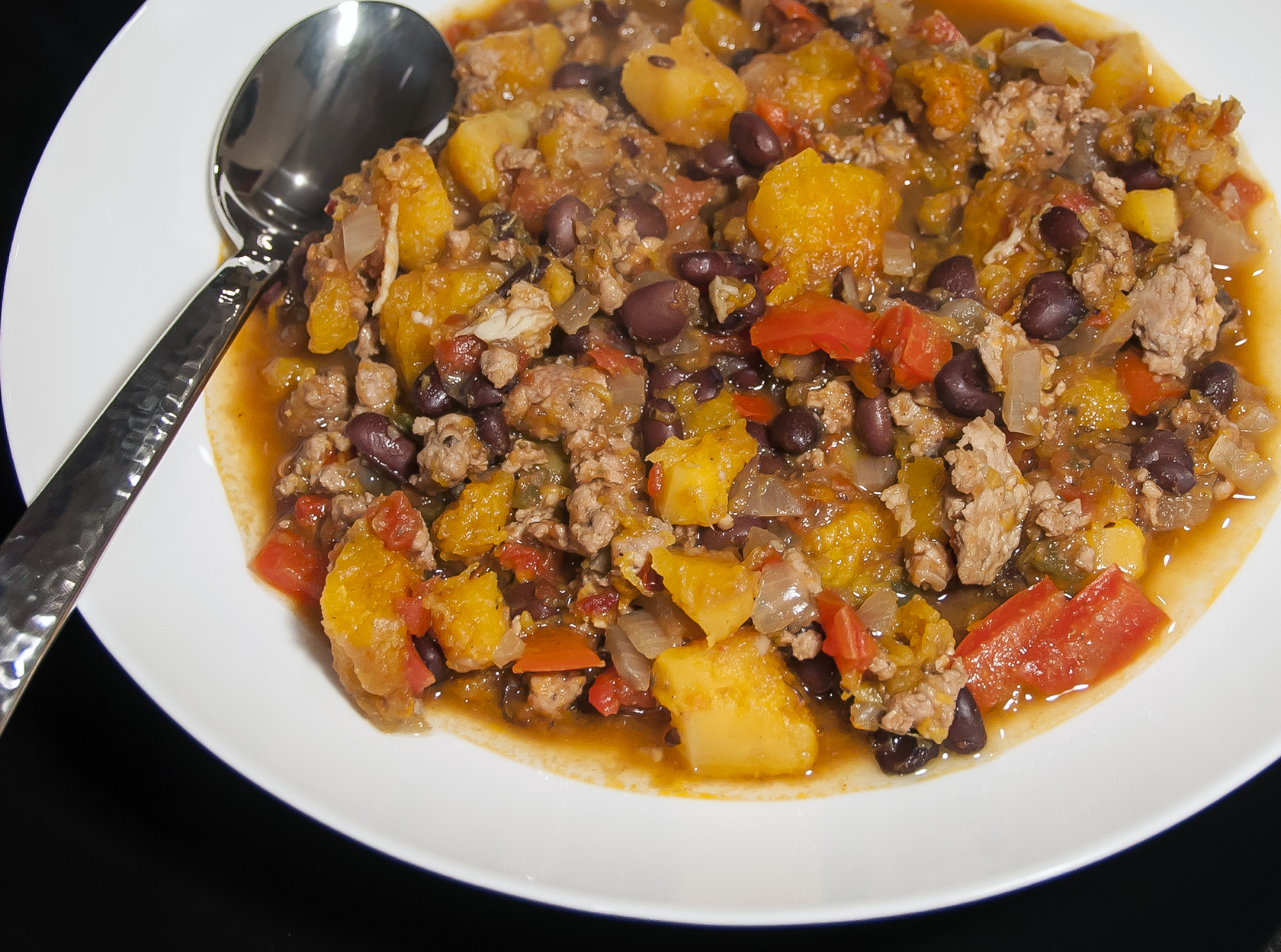 Butternut Squash and Turkey Chili (adapted from Omnomalicious )