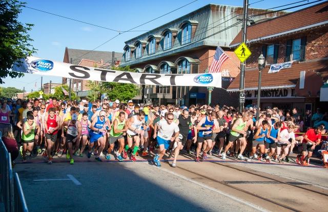 880 Media 5 Mile Race Start