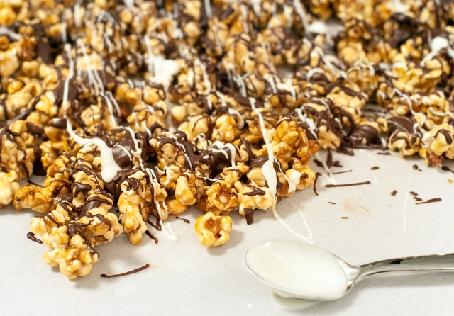 044 Caramel Corn