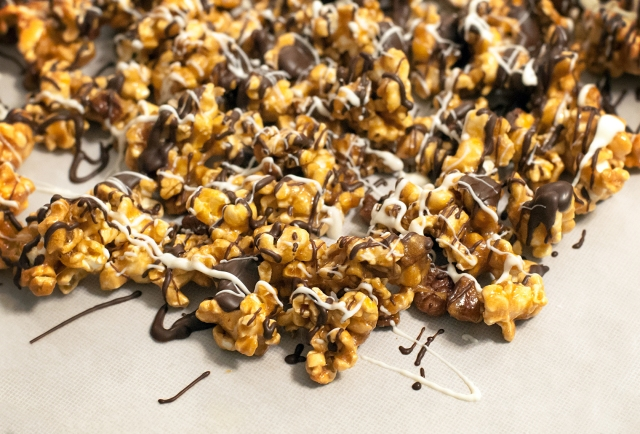 052 Caramel Corn